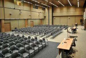 Auditório 3 – 100